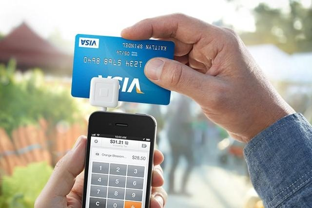 Мобильный эквайринг - телефон, специальное устройство и карта Visa